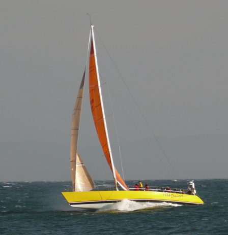 Taxi Dancer at 21 Knots